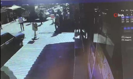Kardeşine kızdı, dükkanına kamyonetle girdi