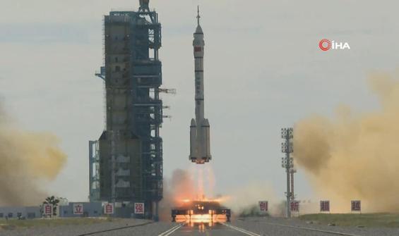 5 yıl sonra ilk kez 'insanlı uzay misyonu' başlattılar