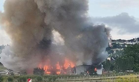 Çatalca'da dev yangın! Alev alev yanıyor