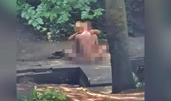 Parkta cinsel ilişkiye giren çift gözaltına alındı