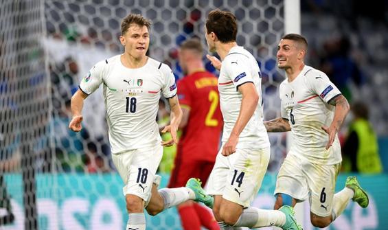 İtalya yarı finalde