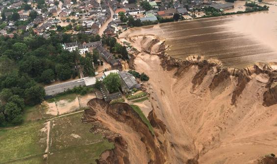 Sel felaketi Avrupa'yı yıktı geçti! Bilanço ağırlaşıyor