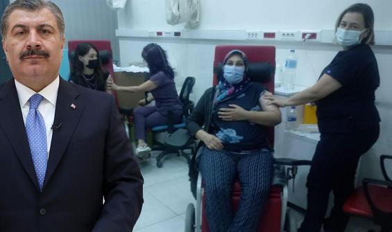 Annesini aşı olmaya ikna eden genç kızın hikayesini paylaştı