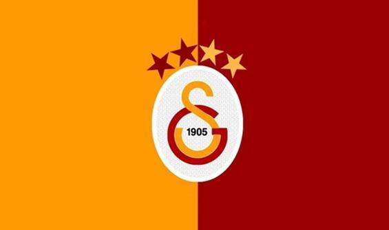 Galatasaray iki bek oyuncusuyla anlaştı