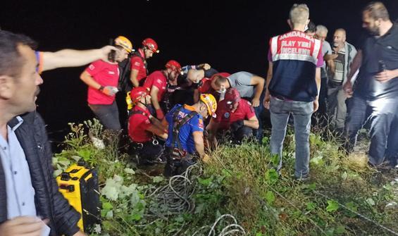 Korkunç kaza! 200 metrelik uçuruma yuvarlandı