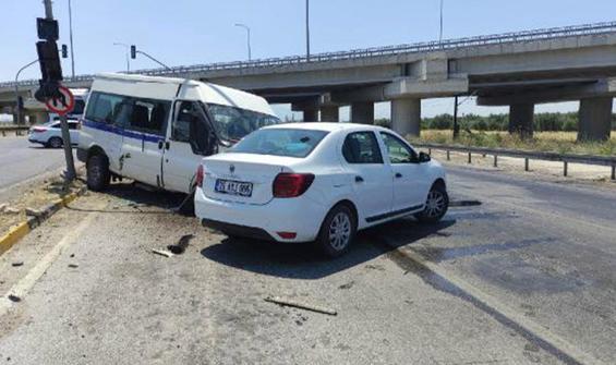 Manisa'da feci kaza: 14 yaralı