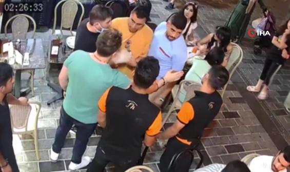 Taksim'de yabancı uyruklu şahıslara 'laf atma' dayağı