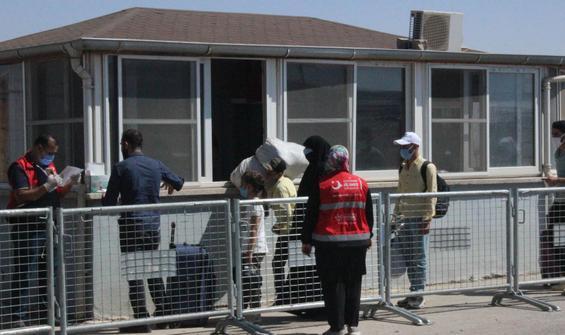 Bayram sonrası Suriyelilerin Türkiye'ye dönüşü sürüyor