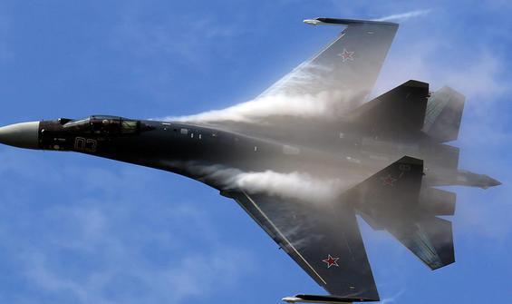 Rus savaş uçağı denize düştü!
