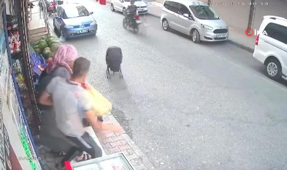 İçinde bebek bulunan araba yolda böyle kaydı