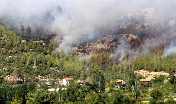 Isparta'da yangın: Yıldız Mahallesi tahliye edildi