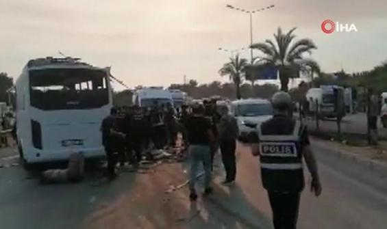 Antalya'da havaalanına giden otobüs takla attı!