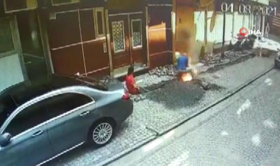 Kazı çalışmasında işçiler patlamanın ortasında kaldı
