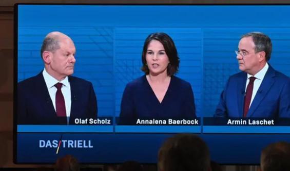 Almanya'da başbakan adayları canlı yayında!