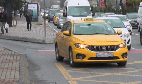 İstanbul'da taksi için kalkan eller inmiyor