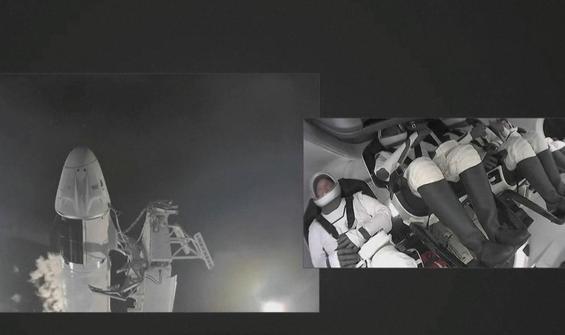 Uzay uçuşları tarihinde ilk! Uzay turistleri yola çıktı