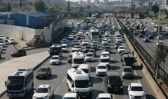 İstanbul'da hafta sonu öncesi trafik yoğunluğu