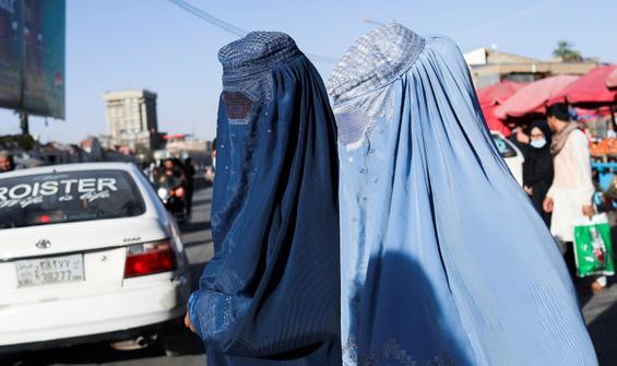 Taliban'dan kadınlara yeni çağrı: Evde kalmaya devam edin