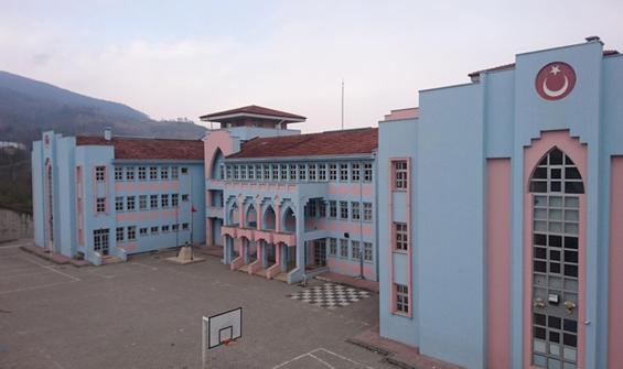 Korona nedeniyle bir okul uzaktan eğitime geçti