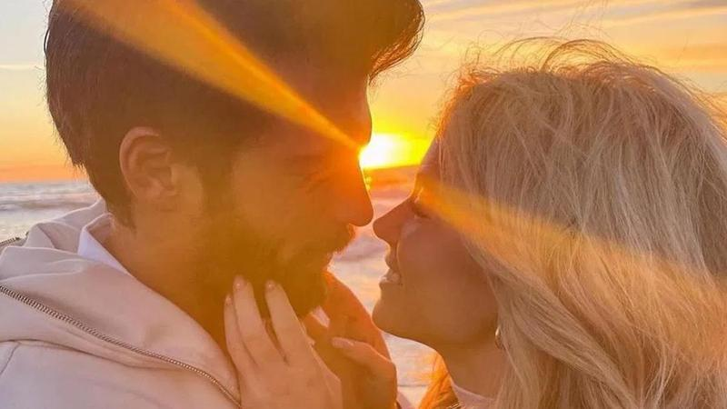 Can Yaman'dan sevgilisine romantik evlilik teklifi!
