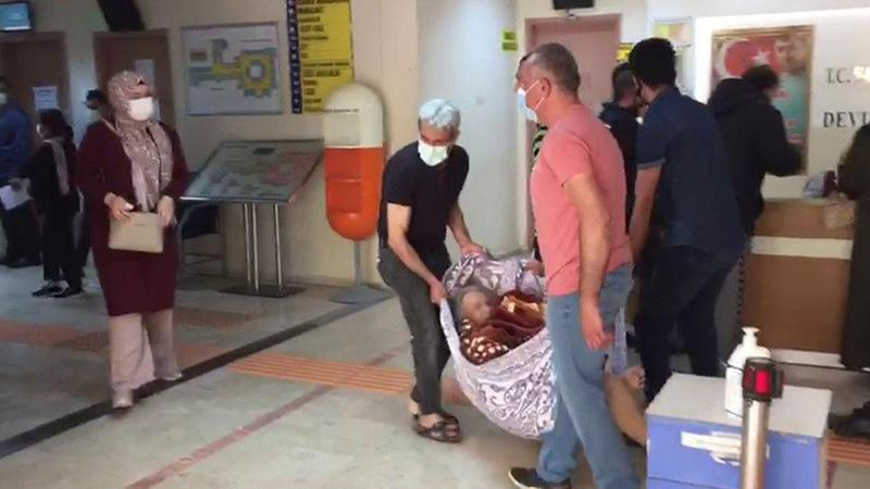 Hastanın battaniyeyle taşınmasına soruşturma