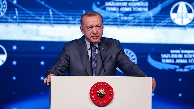 Erdoğan: Sizden paraları söke söke alırlar