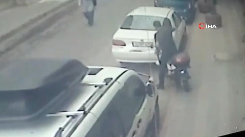 Kaza üstüne kaza yapan hırsız kamerada
