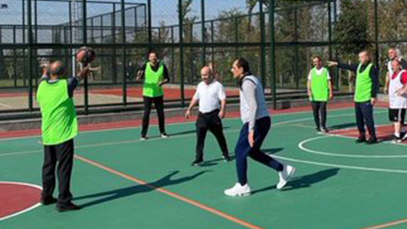 Erdoğan'dan danışmanlar ve bakanlar ile basket maçı