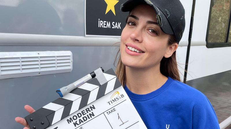 İrem Sak'ın yeni dizisi 'Modern Kadın' sete çıktı
