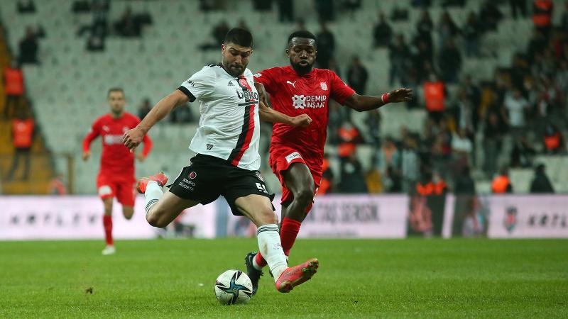 Beşiktaş, Sivasspor engelini Güven Yalçın'la aştı