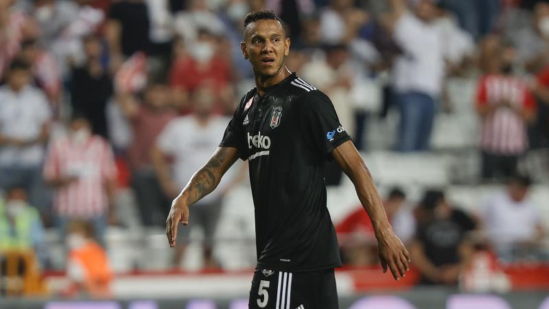 Josef de Souza'dan EA Sports'a FIFA 22 sitemi