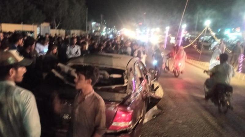Pakistan'da çifte saldırı: 2'si çocuk 3 ölü var