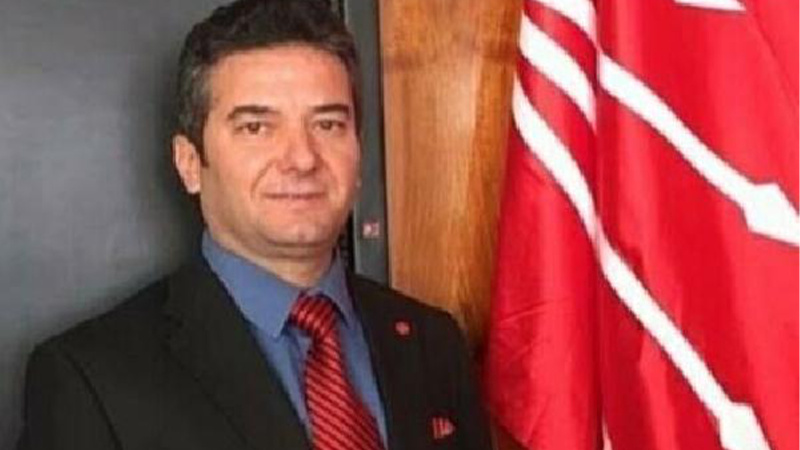 CHP'li ilçe başkanı ve yönetimi görevden alındı