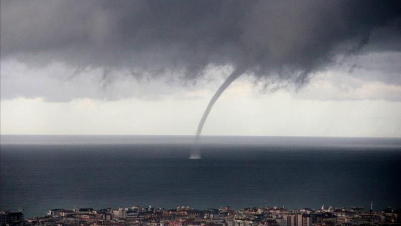 Meteoroloji'den kuvvetli yağış ve hortum uyarısı!