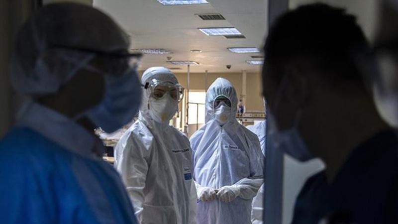 Bir hastada Kovid-19'un iki varyantı aynı anda tespit edildi