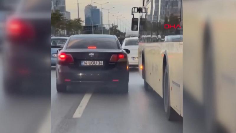 İETT ile otomobilin şerit kavgası kamerada
