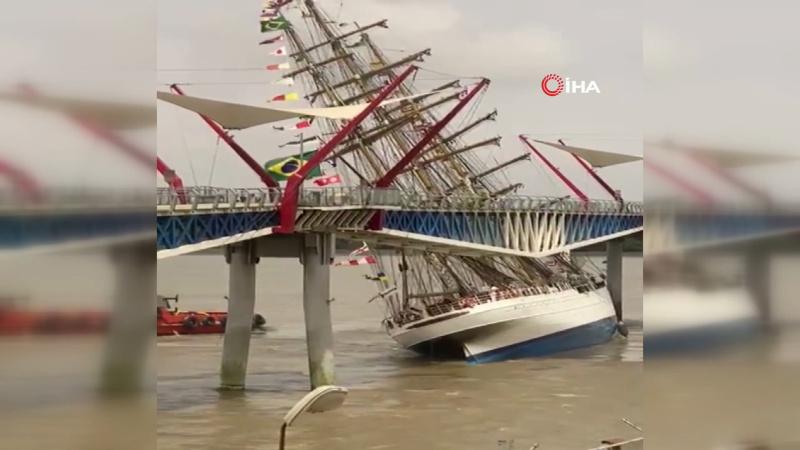 Donanmanın eğitim gemisi köprüye böyle çarptı