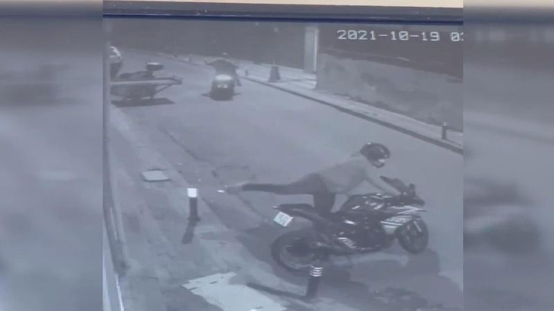 Motosikleti saniyeler içinde böyle çaldılar