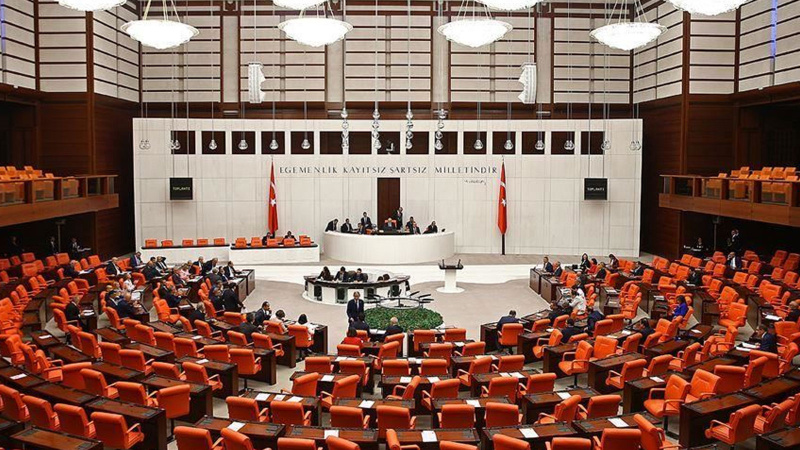 Irak ve Suriye tezkereleri Meclis'te