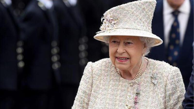 Kraliçe Elizabeth hastaneye kaldırıldı
