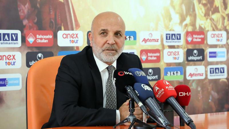 Hasan Çavuşoğlu: Ali Koç ve Acun Ilıcalı'yı da halı saha maçında yendik
