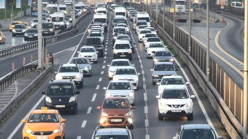 İstanbul'da trafik yoğunluğu, okulların açılmasıyla arttı