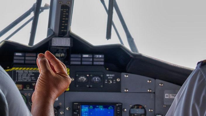 Görülmemiş olay: Virüs bulaştıran pilot görevden alındı