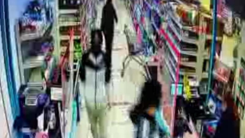 Esenyurt'ta markette silahlı soygun