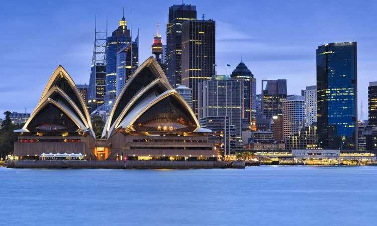 Kovid-19 vakalarının arttığı Sydney'e seyahat kısıtlaması