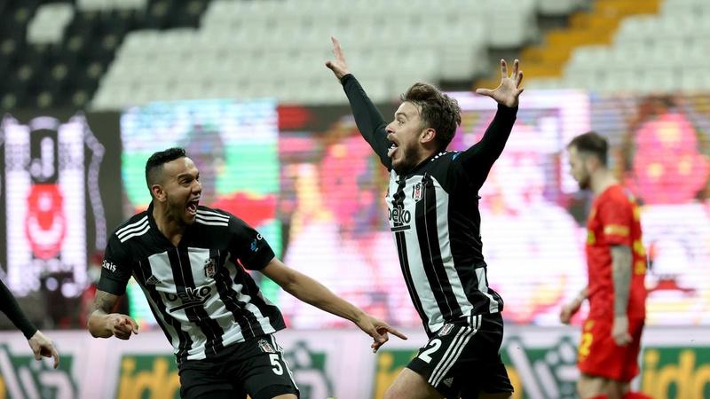 Beşiktaş, Göztepe karşısında ikinci yarıda açıldı