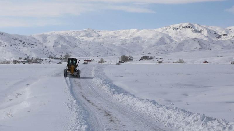 1400 köyde kar esareti! Çığ uyarısı yapıldı