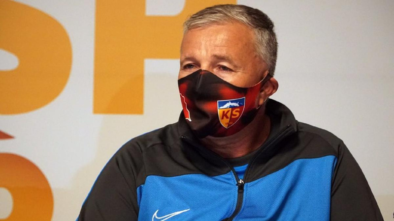 Kayserispor'da bir teknik direktörle daha yollar ayrıldı