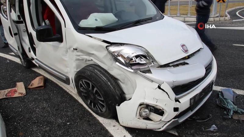 6 kişinin yaralandığı trafik kazası kamerada