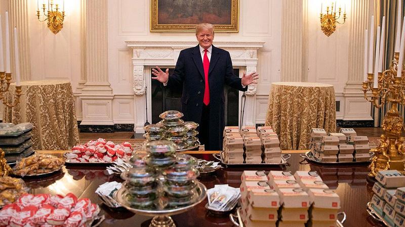 Eski koruması: Trump 130 dolarlık hamburger borcunu ödemedi